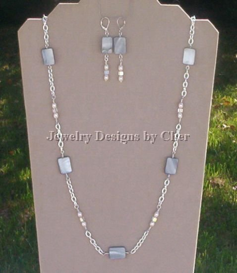 SILVER Mother Of Pearl PILLOWS 33Inch CHAIN with EARRINGS