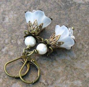 White Lucite Flower Earrings, Antique Brass Leverbacks... Vintage Spring Wedding