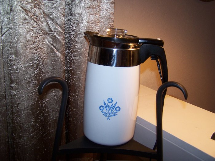 Corning Ware Cornflower Blue Electric Percolator 10 Cup Coffee Pot with Cord Corningware