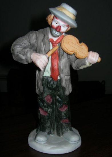 "Emmett Kelly Jr Figurine - ""No Strings Attached"""