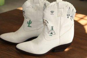Zodiac White Ankle Western Boot Size 6.5 M