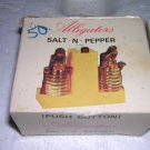 Boxed Alligator SALT-N-PEPPER Push Button Souvenir