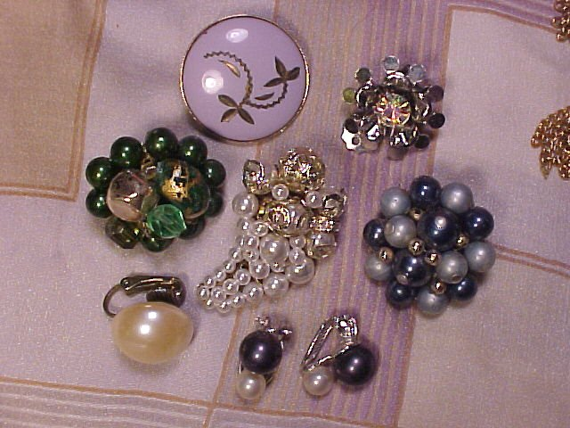 20 Pair Vintage Clip Earrings Rhinestones +