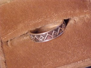 Sterling Silver Band Ring  8 - 8.5