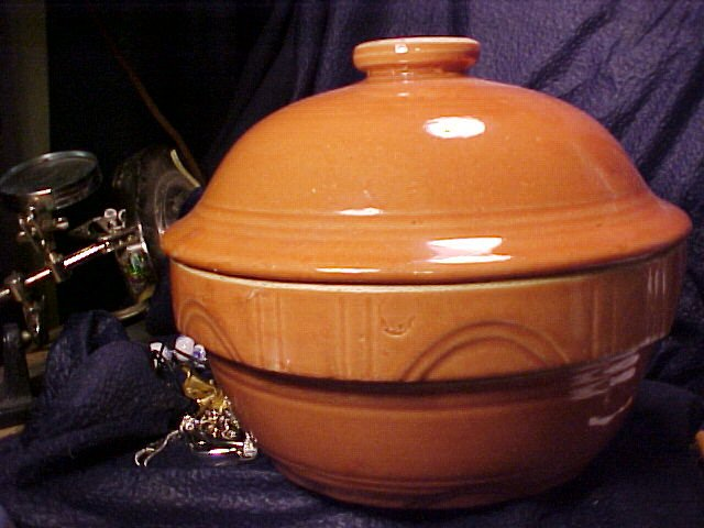 USA Pottery Covered Kitchen Display Bowl 9""