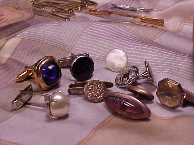 Vintage Men's Finding Jewelry Lot Studs Etched Glass +