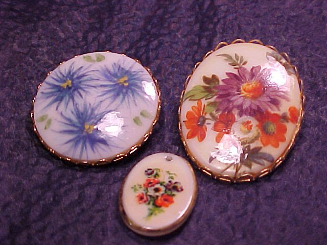 Flower Floral Cameo Pin Lot 3 Pins Pendant  Vtg Jewelry ~ FREE SHIPPING
