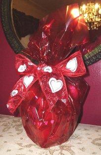 VALENTINE CHAMPAGNE HEART BASKET