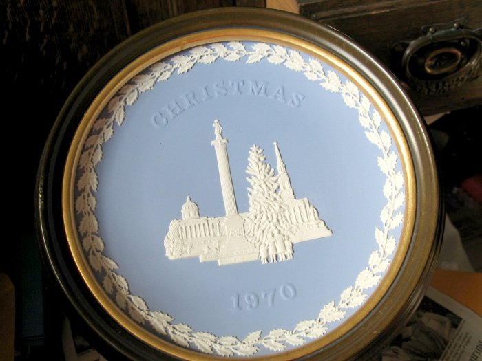 Wedgwood Christmas Plate 1970 FRAMED, Trafalgar Square