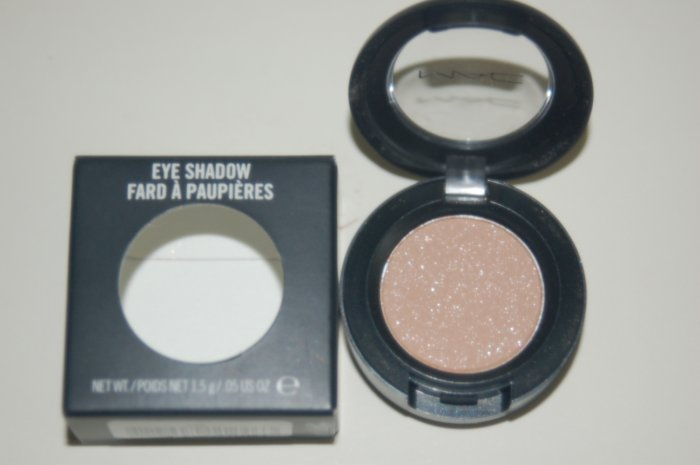 MAC Eyeshadow **Lightshade**