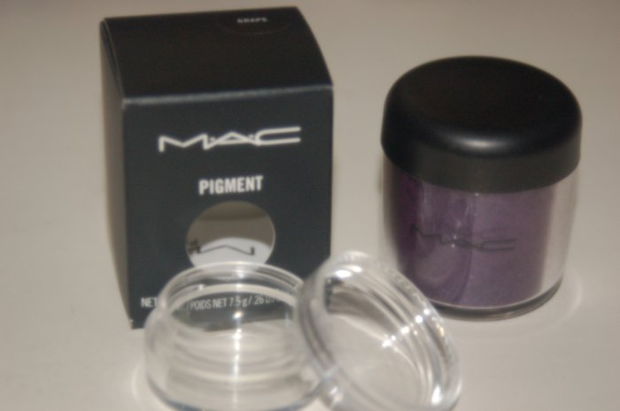 MAC Pigment Samples in *Deep Purple* pro