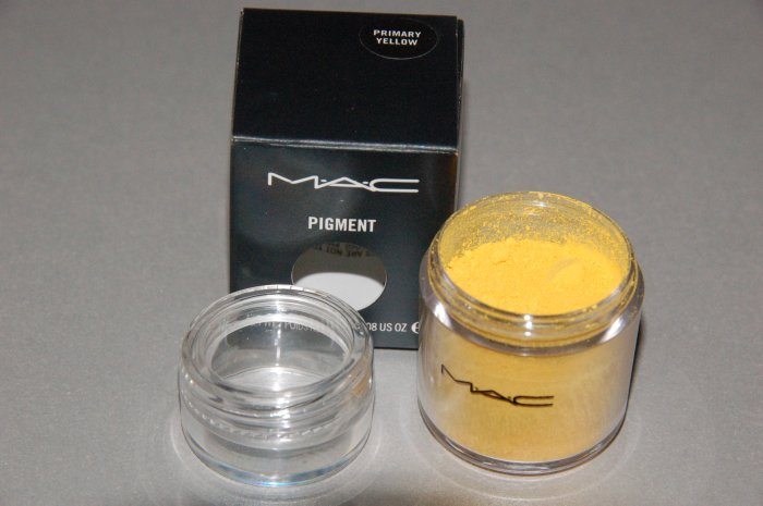 "MAC Pigment Samples ""Primary Yellow""  Pro (1/4tsp)"