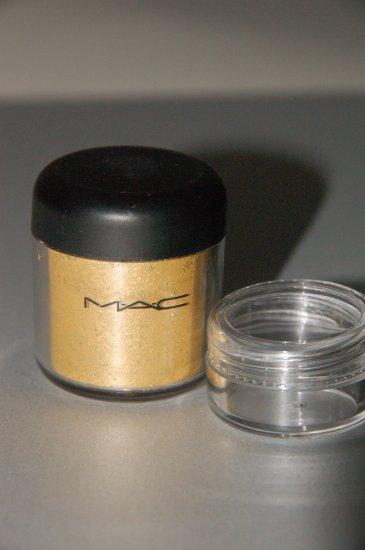 """MAC Pigment Samples """"Golden Lemon"""" 1/4 tsp sample"""