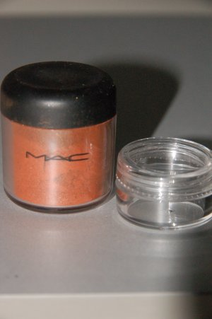 """MAC Pigment Samples """"Off the Radar"""" Rushmetal Collection (LE)"""