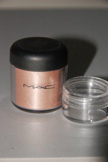 "MAC Pigment Samples ""Lily White""  Limited Edition!!!~"