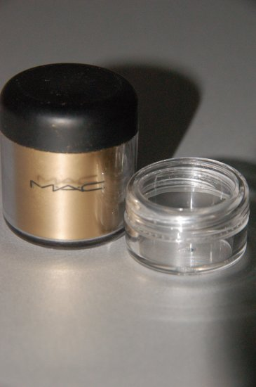 "MAC Pigment Samples ""Gold""   Pro Metal Color"