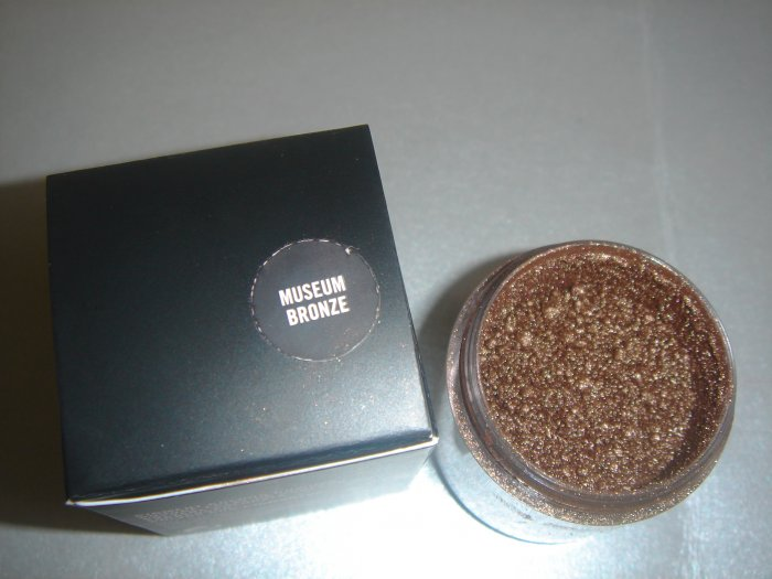 "MAC Ovverich Collection ""Museum Bronze"" 1/4 tsp. sample LE"