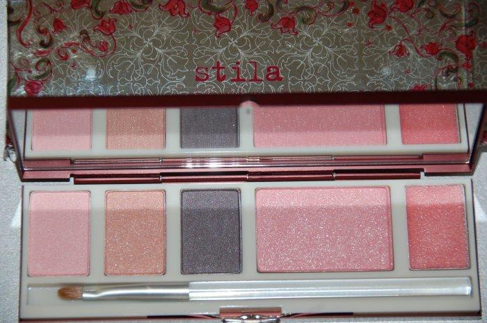 Stila Scarlett's Deluxe Palette ~   BRAND NEW In Box  ~