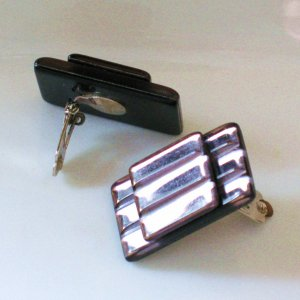 flashy champagne lucite mirror earrings - vintage jewelry