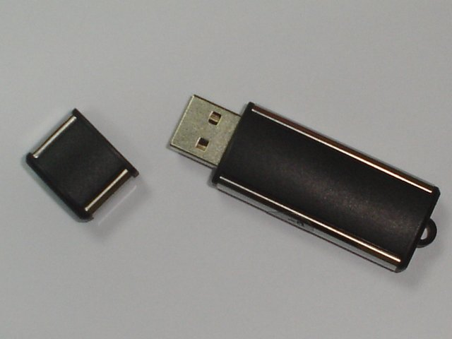 NEW USB FLASH DRIVE 2.0 16GB