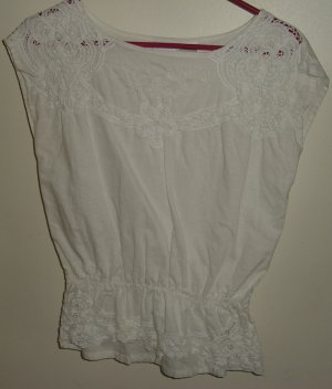 Newport News linen/cotton eyelet blouse