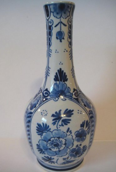 Royal Delft De Porceleyne Fles Blue and White Slim Necked Vase
