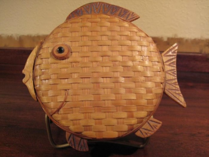 Wicker Fish Box Basket with Lid.