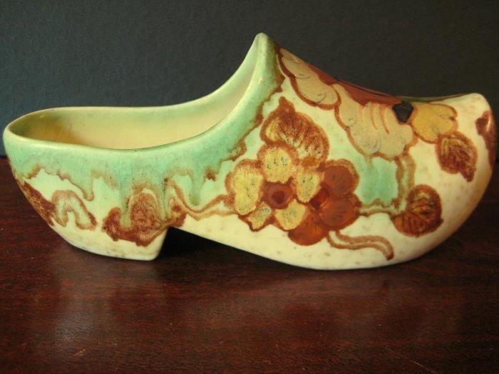"""Regina Gouda  Dutch Shoe """"Klompen"""" Borodi Pattern"""