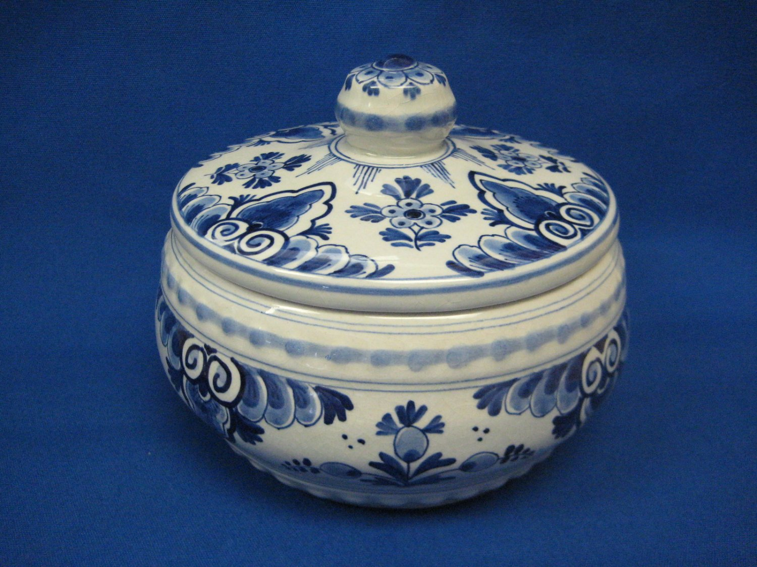 1954 De Porceleyne Fles Royal Delft Bonbon or Candy Dish