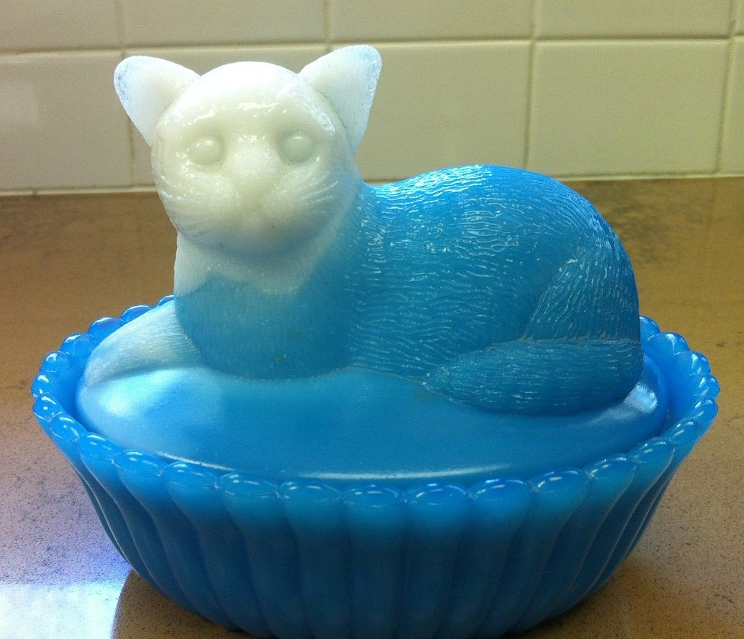Westmoreland Blue White Cat Covered Dish