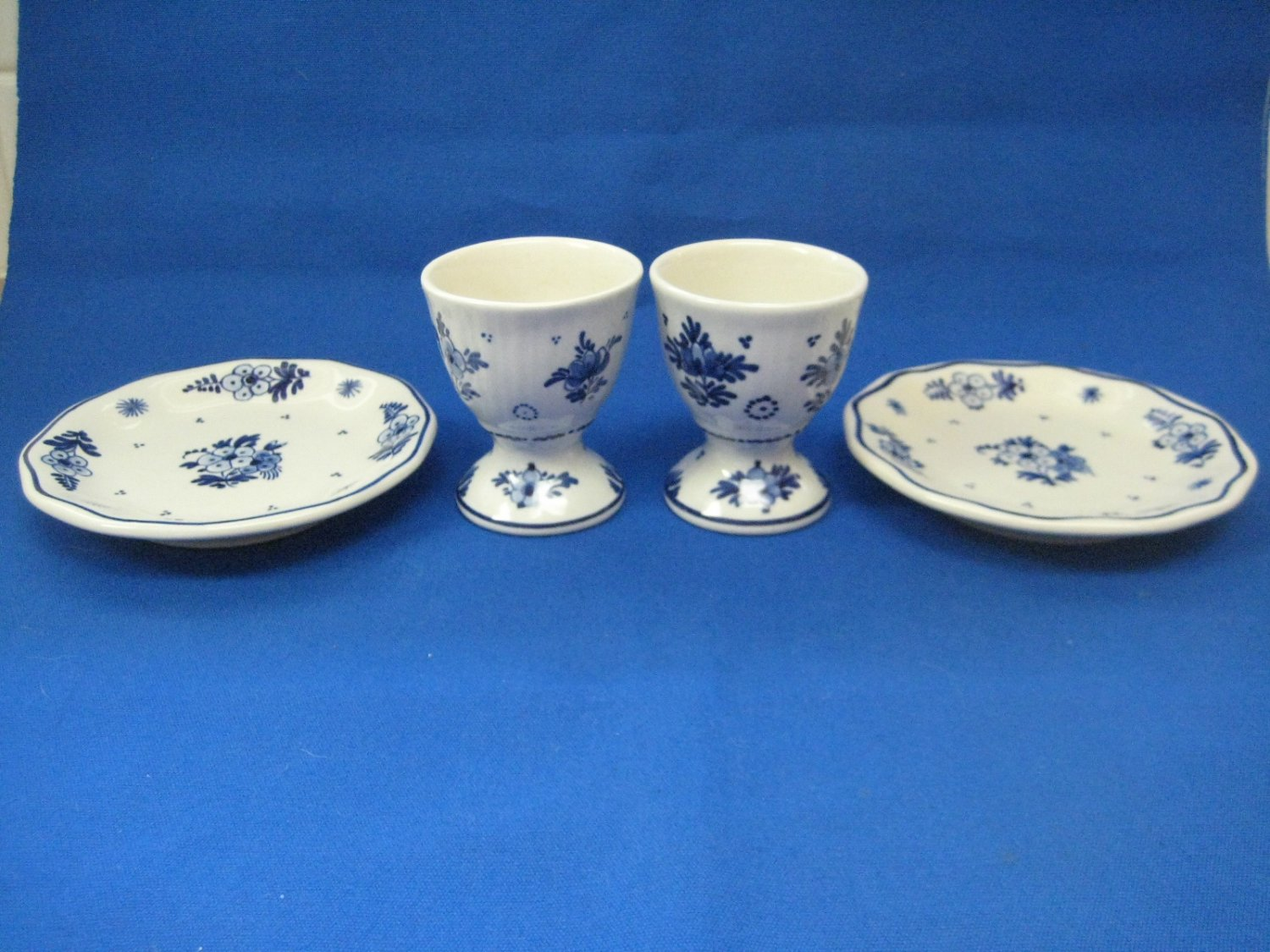 "Delft ""De Porceleyne Fles"" -2 Egg Cups and 2 Small Plates 1985"