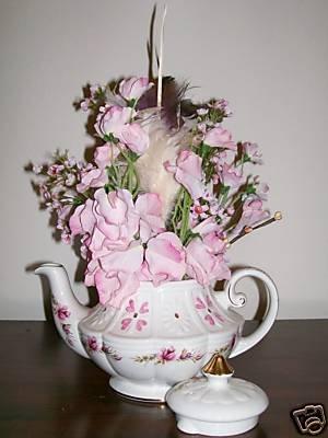 ELEGANT TEA POT FLORAL ARRANGEMENT