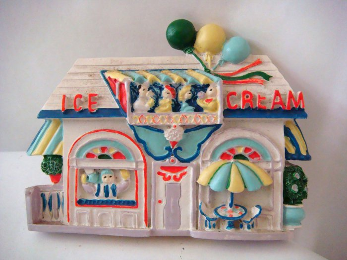 Miniature Plaster 3-D Ice Cream Shop + magnet