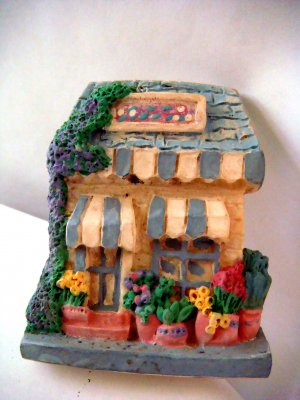 Miniature Plaster 3-D Flower Shop w Awnings +magnet