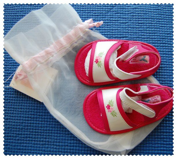 Janie and Jack Baby Girl crib shoe size 3