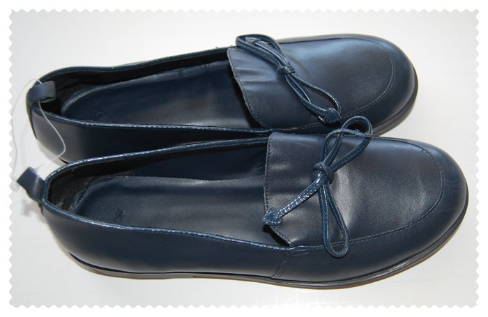 Gap Girls Loafer Navy blue size 6 New