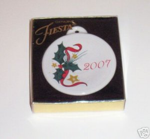 FIESTA 2007 HOLLY AND BERRIES ORNAMENT NEW IN BOX