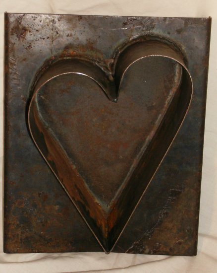Large Metal Heart Mold Great for Primitive motif
