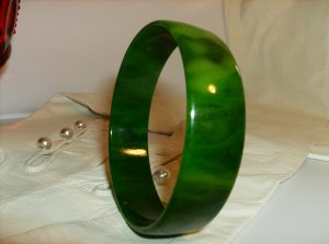 Green bakelite bangle bracelet