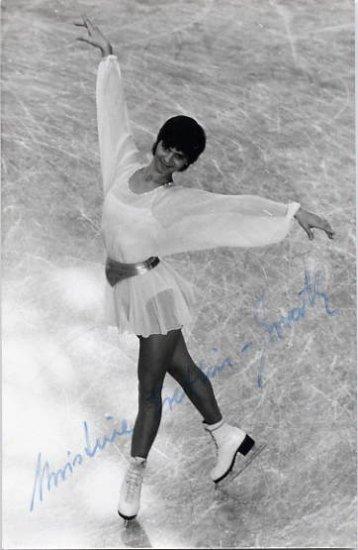 1974 Figure Skating World Champion CHRISTINE ERRATH Hand Signed Photo