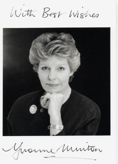 Australian Opera Singer YVONNE MINTON Hand Signed Photo 5x7