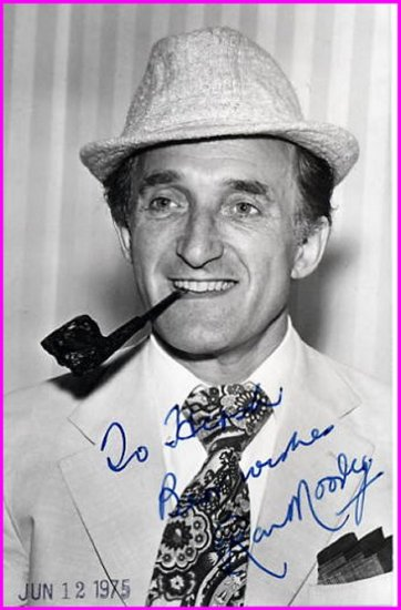 British Actor RON MOODY Hand Signed Photo from 1975