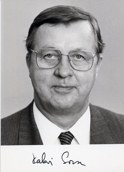 Former Prime Minister of Finland KALEVI SORSA Hand Signed Photo 4x6