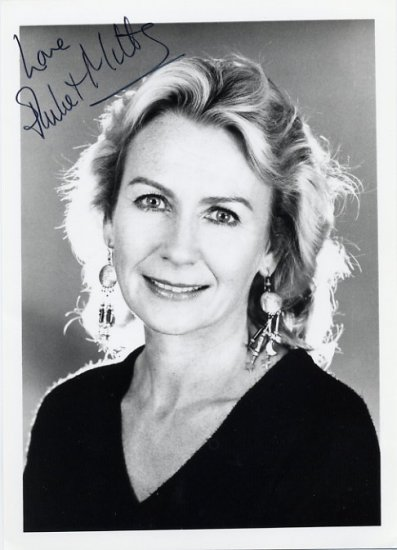 English Actress JULIET MILLS Hand Signed Photo 5x7