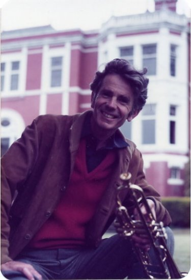 Famous English Classical Trumpeter PHILIP JONES Autographed Photo 4x6