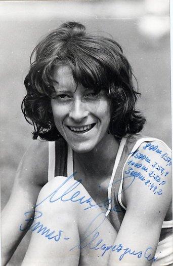 1976 Montreal Athletics 1500m Bronze ULRIKE KLAPEZYNSKI Autographed Photo