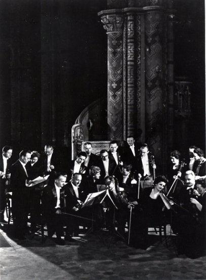 Distinguished Violinist VILMOS TATRAI Hand Signed Photo 5x7 Hungarian Chamber Orchestra 1970