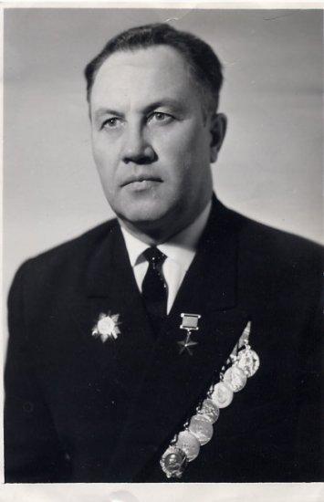 Soviet World War II Hero ARNOLD PAPPEL Autographed Photo 1970