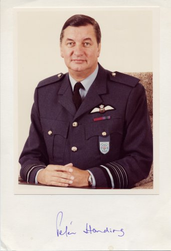 Marshal of the Royal Air Force Sir PETER R HARDING Hand Signed Display 7,5x11