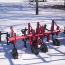 International 2 Row 3point hitch Cultivator